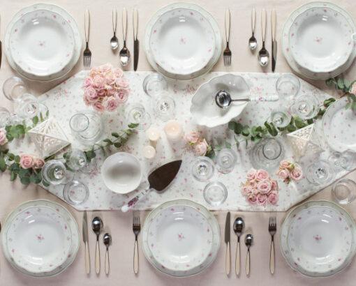 Nonna Rosa Brandani: Servizio di piatti con fiori, tazzine in porcellana con fiori