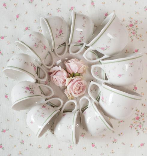 Servizio tazzine da caffè in porcellana con fiori Nonna Rosa