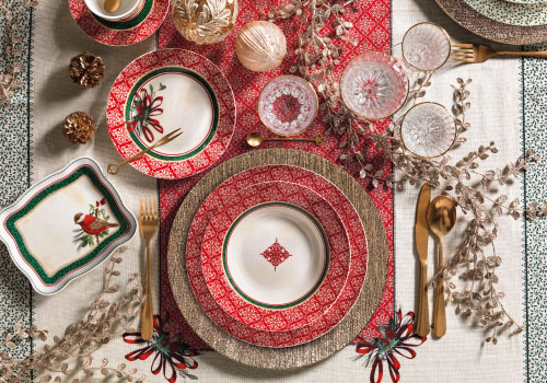 Brandani's Cantico collection: porcelain plates and underplates set for your Christmas