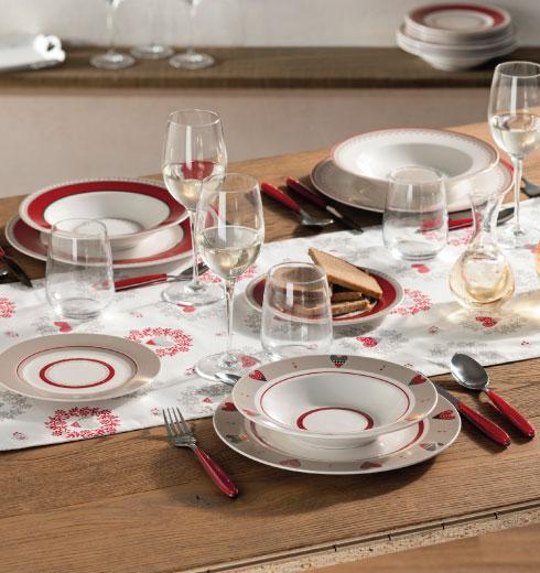 servizio piatti 18 pezzi in porcellana con cuori – Happy Day di Brandani